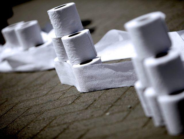 CONCEPCIÓN: Manifestación y llamado a cacerolazo por la colusión del papel confort