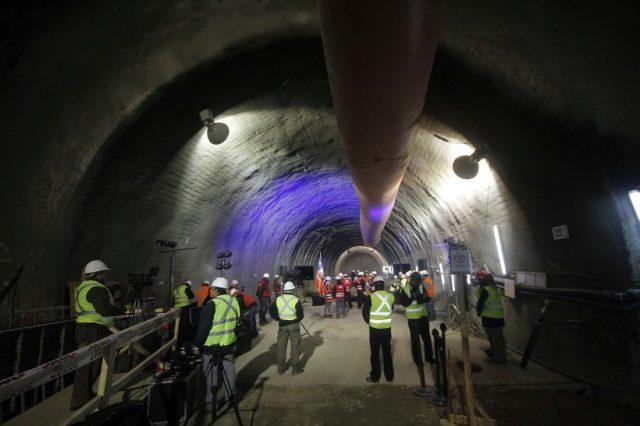 La Presidenta de la Republica participa en apertura de túnel entre futura estación Lo Valledor