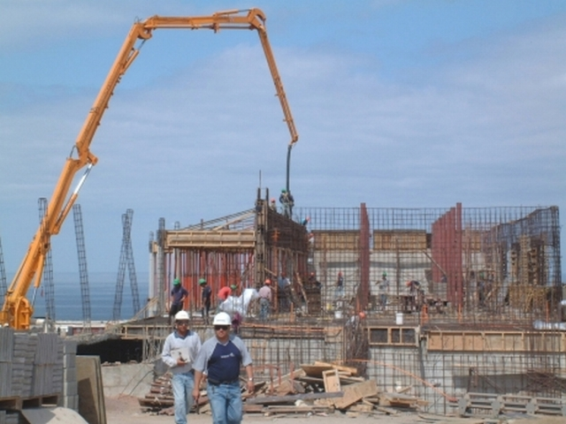 "CONSTRUCCION DEL LICEO TECNICO INDUSTRIAL ""DON BOSCO"".  23/12/2001"